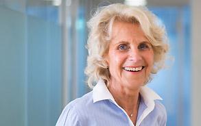 Zahnärztin Dr. Margarete Zieglgänsberger-Gahn von der Zahnarztpraxis Zieglgänsberger in Dietzenbach, Kreis Offenbach/Hessen