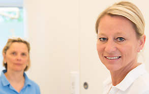 Mitarbeiterinnen der Zahnarztpraxis Zieglgänsberger, Dietzenbach, Kreis Offenbach, Hessen