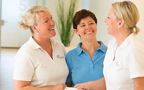 Mitarbeiterinnen der Zahnarztpraxis Zieglgänsberger in Dietzenbach, Kreis Offenbach/Hessen - hier klicken, um zur Seite Ärzte & Team zu gelangen